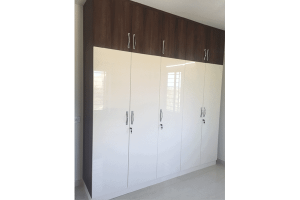 Glossy finish Wardrobes