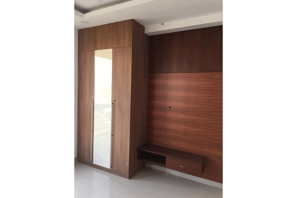 Wardrobe with glass and veneer